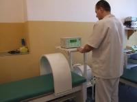 Gabinety rehabilitacyjne Caritas Diecezji Opolskiej wyposażone w nowy sprzęt rehabilitacyjny.